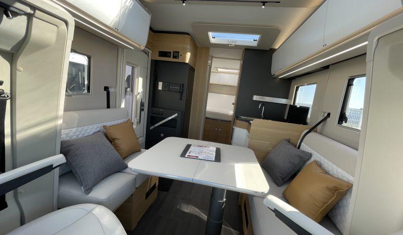 Profilé sans lit pavillon Face – Face Lit central Adria 2021 complet