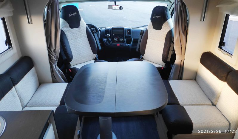 Camping-car profilé Challenger 268 Graphite VIP complet