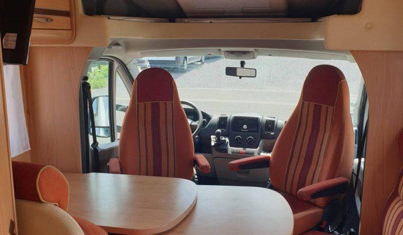 Profilé sans lit pavillon Face route et dos route 4 places Lit central Bürstner 2010 complet