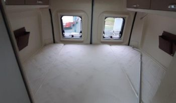 Fourgon aménagé lit transversal Chausson V 594 Titanium complet
